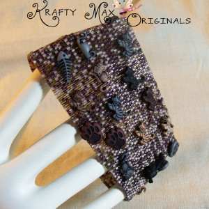 Even the Hidden Cats Can Find the Mice – Beadwoven Bracelet