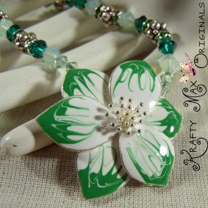 Green and White Flower Swarovski Beauty Necklace Set
