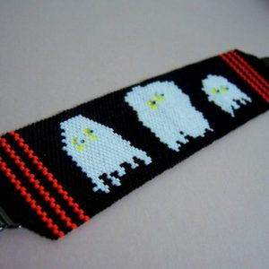 Oh my, there are GHOSTS in here… Beadwoven Bracelet