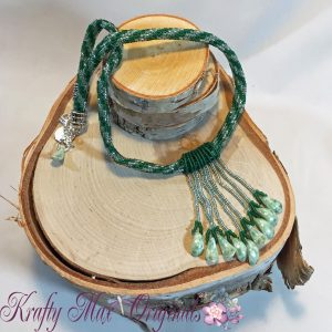 Green Twisted Beadwoven Necklace with Glass Leaves