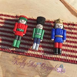 Toy Soldier / Nutcraker (Christmas) Handmade Beadwoven Button Bracelet