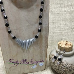 Black and Soft Purple with Fan Necklace Set