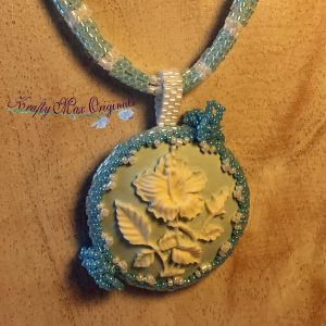 BeadALong 9 – Beadwoven Blue and White Flower Wearable Art Necklace