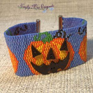 Pumpkin Jack-o'-lantern Handmade Beadwoven Button Bracelet