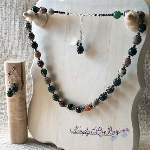 Mixed Faceted Agate with Flower End Caps and Swasrovski Crystals Necklace Set
