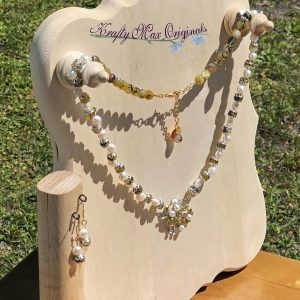 Green and Pearls Necklace Set with Center from Grandmothers Stash
