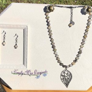 Black Leaf and Gemstone Necklace Set