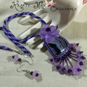 Queen Janthia - Purple Agate Beadwoven Necklace 1