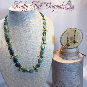 Green and Gold Wings Necklace Set 2