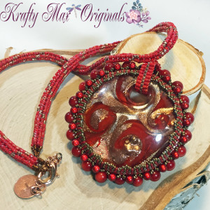 Red Glass Beadwoven Necklace 1