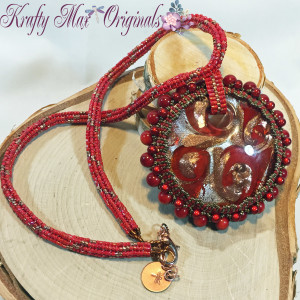 Red Glass Beadwoven Necklace 4