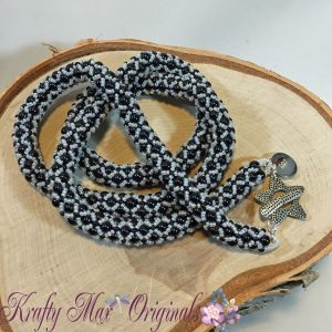 black and white beadwoven tri necklace 1