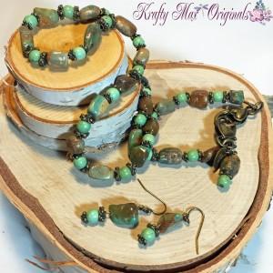 Soft Green Irregular Necklace Set 2