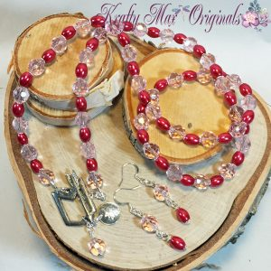 Shot Through The Heart – Pink Glass Necklace Set