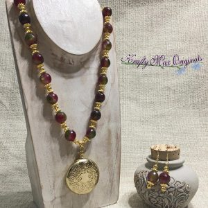 Red Green Mauve Faceted Agate Set with Pill Fob from Grandmothers Stash