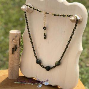 Green Gemstone and Swarovski Pearls Necklace Set