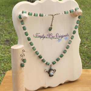 Green Gemstone and Vintage Tea Pot Necklace Set from Grandmothers Stash