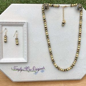 Green and Gold Glass Pearls Necklace Set