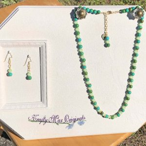 Green Gemstone and Gold Details Necklace Set