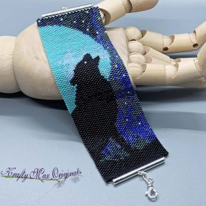 Wolf Howling at Moon Beadwoven Bracelet Kit Version