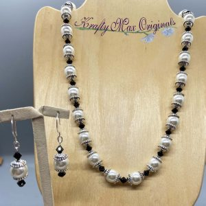 Glass Pearls and Swarovski Crystal Necklace Set